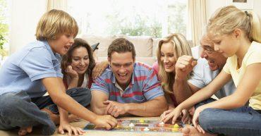 Evde Ailecek Oynanabilecek 8 Eğlenceli Oyun